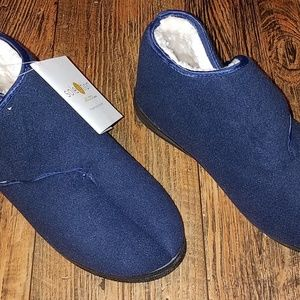 Goldtoe Shoes - Womens size 10 W navy blue slippers